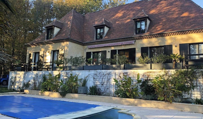 Maison avec piscine Lembras