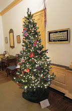 Photo: Tree decorated by children at Mander Recreation Center (Woodford Mansion)
