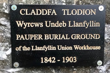 Commemorating 1,000 unnamed 'workers'