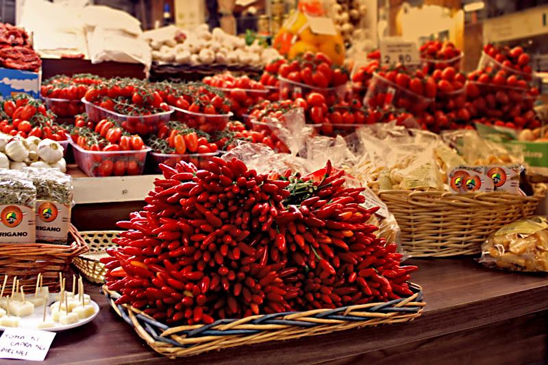 Rosso al mercato coperto di Ro51