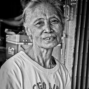 by Dee Urbano - People Portraits of Women