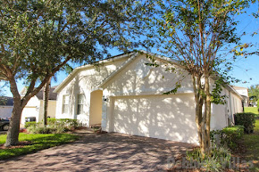 Orlando villa, close to Disney, gated community, private pool and spa, games room
