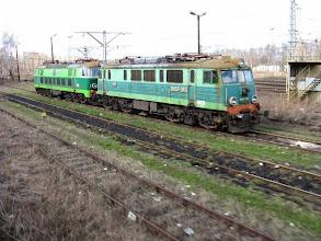 Photo: Jaworzyna Śląska: ET22-xxx oraz EU07-363 na torze postojowym.