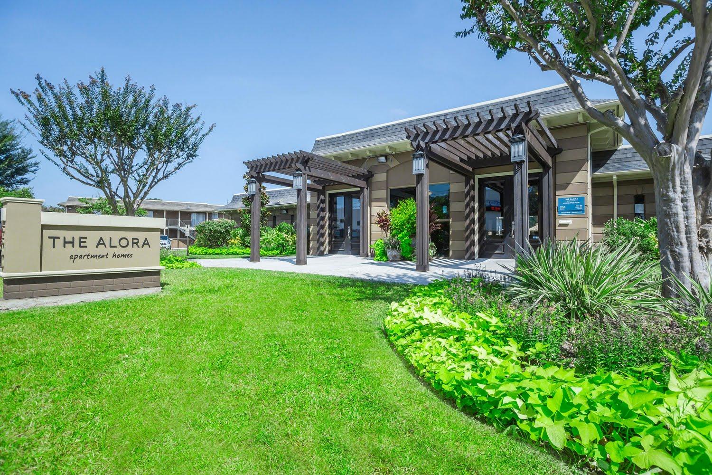 The Alora Apartments In Houston Texas Renovated Apts