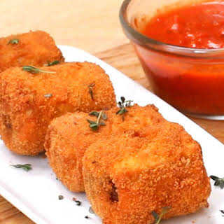 Get Your Next Dinner Party Poppin' With These Lasagna Poppers.