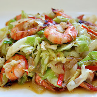 Shrimps, Cabbage and Bell Pepper Stir Fry.
