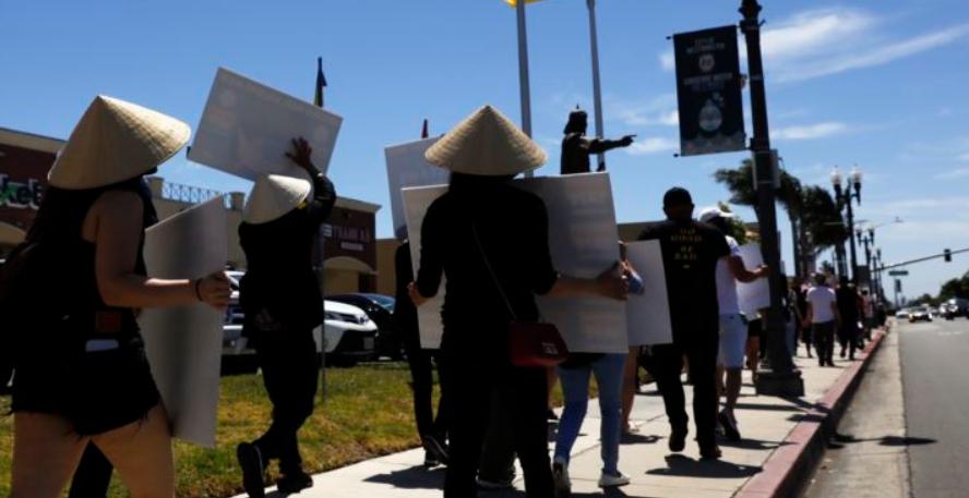 Cộng đồng nail California 'rất bực' vì bị đối xử bất công? - Ảnh 1