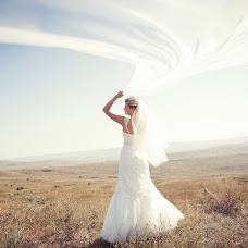 Wedding photographer Yuriy Kuzminov (DobriyTank). Photo of 04.06.2014