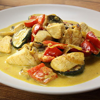 Chicken with Yoghurt Curry Sauce