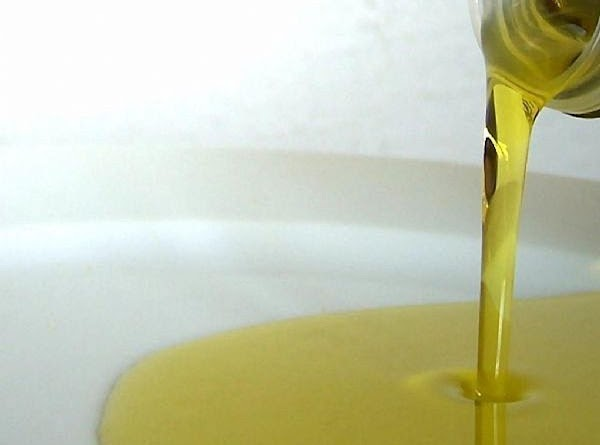 You may drizzle one last time with a little olive oil if desired. Cut...