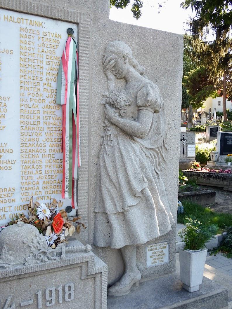 Győr-Ménfőcsanak - I. világháborús emlékmű a csanaki temetőben