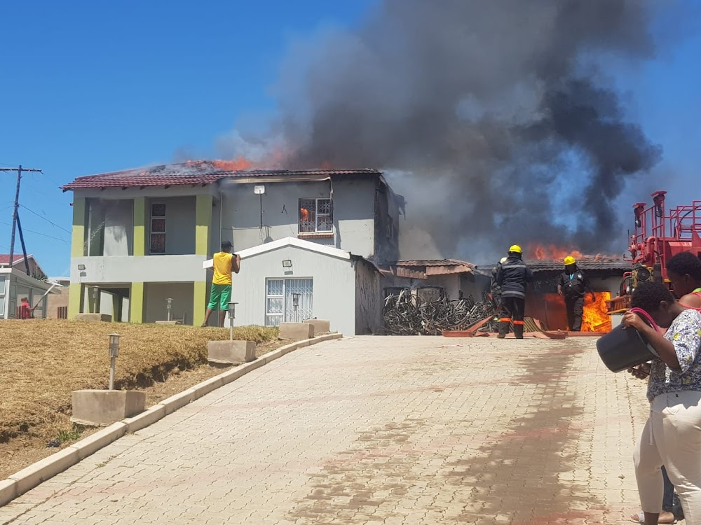 Fire destroys minister Ndabeni-Abrahams' Mthatha home - DispatchLIVE