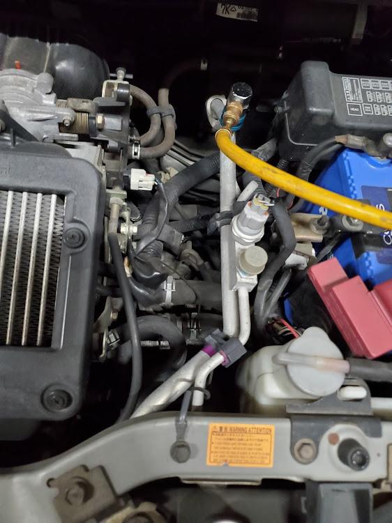 ミラ L250Sのエアコン,エアコンガス補充,エアコン潤滑剤に関するカスタム&メンテナンスの投稿画像4枚目