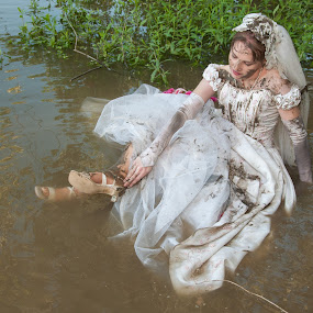 Amy 14 by Carter Keith - Wedding Bride ( rock the frock, muddy dresses, wedding dresses, brides, wet and messy, trash the dress, muddy brides )