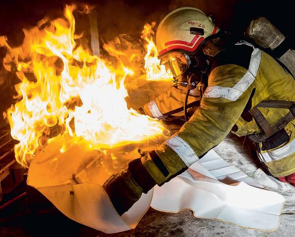 Feuerlöschdecke zur Bekämpfung von Entstehungsbränden