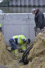 Photo: Hoogspanningskabel geknakt... de zoveelste tegenslag... 27/12/2010
