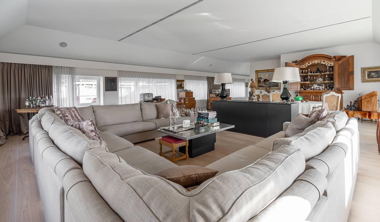 Appartement contemporain avec terrasse Tongres