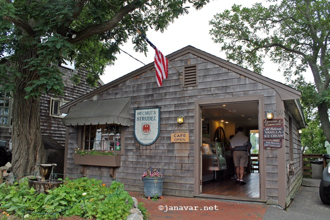 Travel: Rockport, MA - Helmut's Strudel at Bearskin Neck