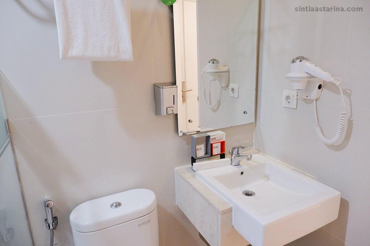 kamar mandi di ara hotel gading serpong