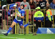 Cheslin Kolbe of the DHL Stormers scores a try during the Super Rugby match against the Sunwolves at Newlands Rugby Stadium, Cape Town on July 8 2017.