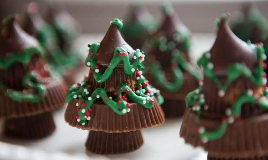 Reese's Chocolate Candy Christmas Trees Recipe