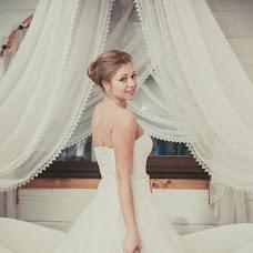 Wedding photographer Elena Nikolaeva (springfoto). Photo of 19.05.2014