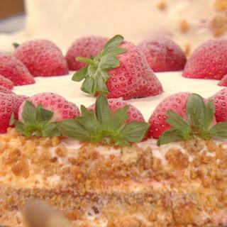 Buddy Valastro's Strawberry Milkshake Cake