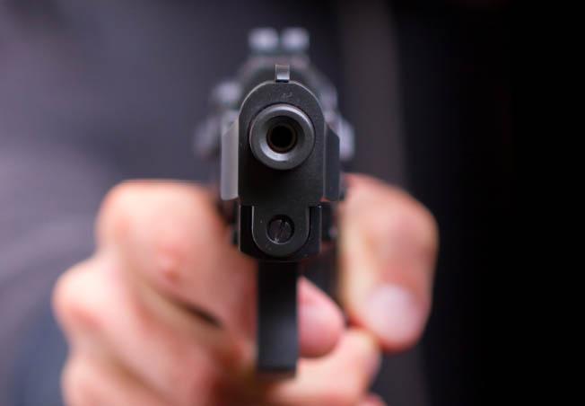 009--12-man-accidently-shoots-himself-kills--639290.jpg