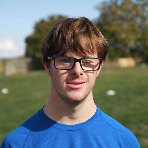 Thomas participe au marathon du Cognac pour soutenir L'Arche La Merci et l'accès au sport adapté !