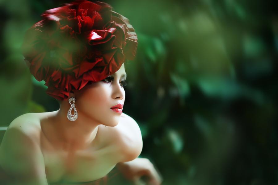 green l by Ikrom Billie - People Fashion