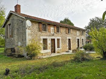 maison à Chasseneuil-sur-Bonnieure (16)