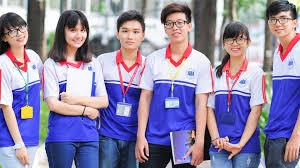 Đồng phục trường UEH thiết kế trẻ trung