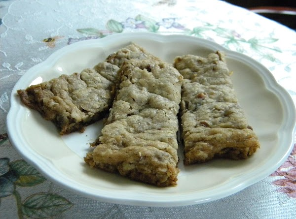 Pecan Oatmeal Date Bars Recipe