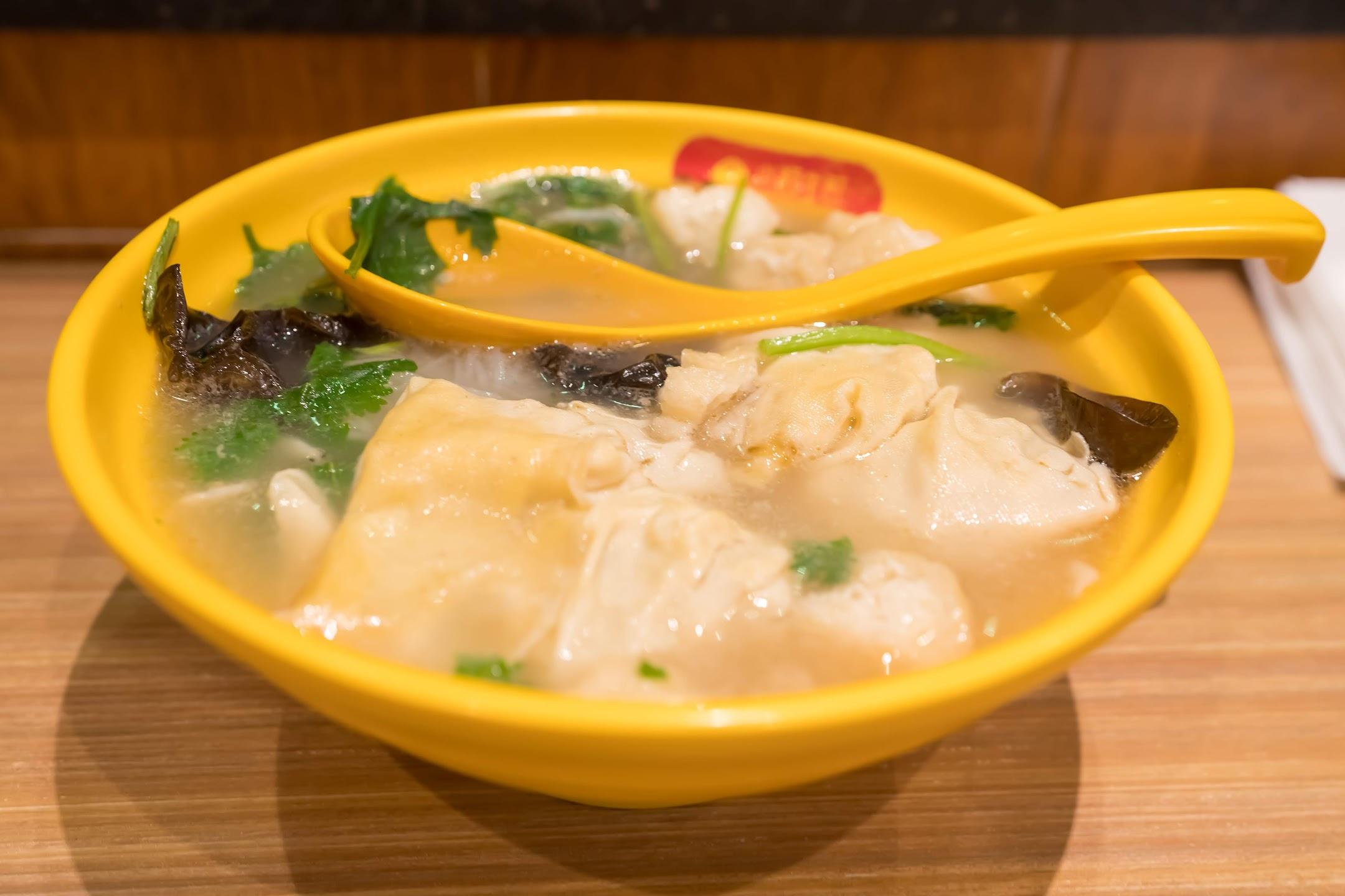 上海 小楊生煎 ワンタンスープ