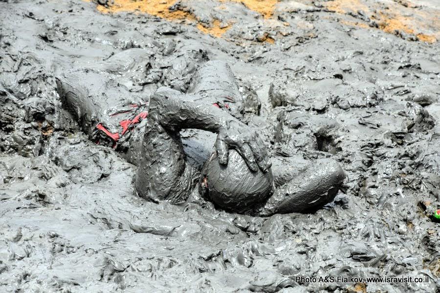 Лечебная грязь на Мертвом море. Экскурсия и отдых на Мертвом море.