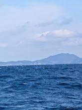 Photo: あまりに波が高く、釣りにくいので場所移動してきたのですがここも「シケ」てます。