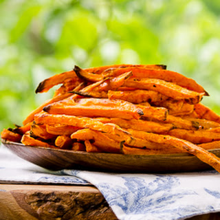 Baked Sriracha Sweet Potato Fries