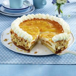 Aprikosen-Cappuccino-Torte