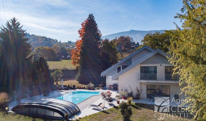 Propriété avec piscine Saint-Jorioz