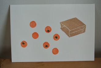 Photo: 19 (紙袋とオレンジ)