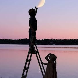 by Alexandra Nilsson - Babies & Children Toddlers ( moon, children, sunset, water, kids,  )