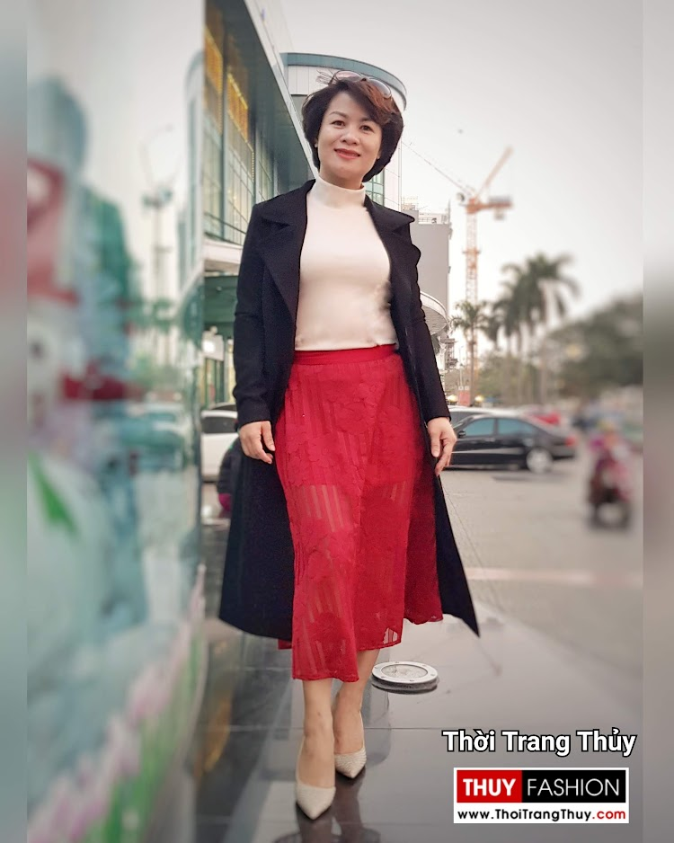 Áo khoác dạ nữ dáng dài màu đen cổ vest rộng V694 thời trang thủy hà nội