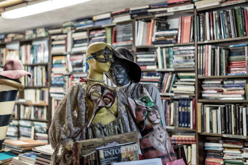 Libreria acqua alta. Venezia di ZERRUSO