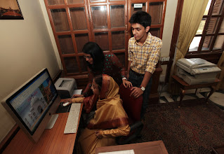 Photo: President Pratibha Patil surfing the Internet with her grand children Surbhi Shekhawat and Dhruvesh Ratore. Indian Express photo