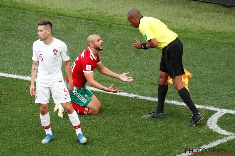 """Les critiques des Marocains sur l'arbitre n'en finissent pas : """"De qui se moque-t-on ?"""""""