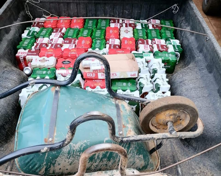 Zuluand police arrested two men who were transporting alcohol at the weekend.