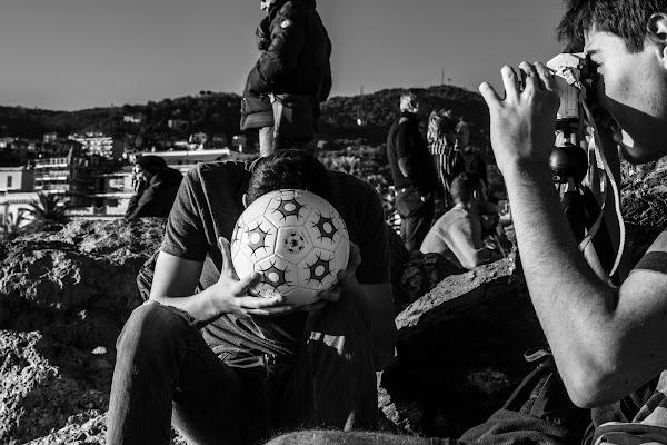 La testa nel pallone. di marina_mangini