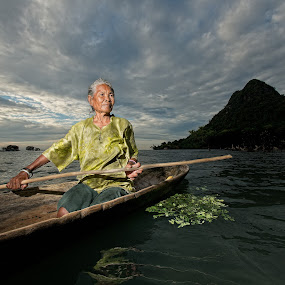 Old Maiga Lady  by Mata Arif - News & Events World Events