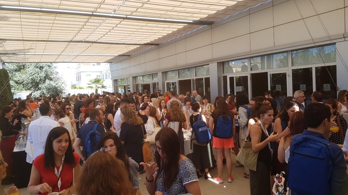 La hora del café en Granada AELFA