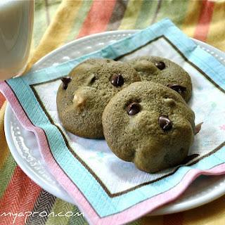 Matcha Choc Chip Macadamia Nut Cookies